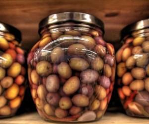 натуральные спелые оливки